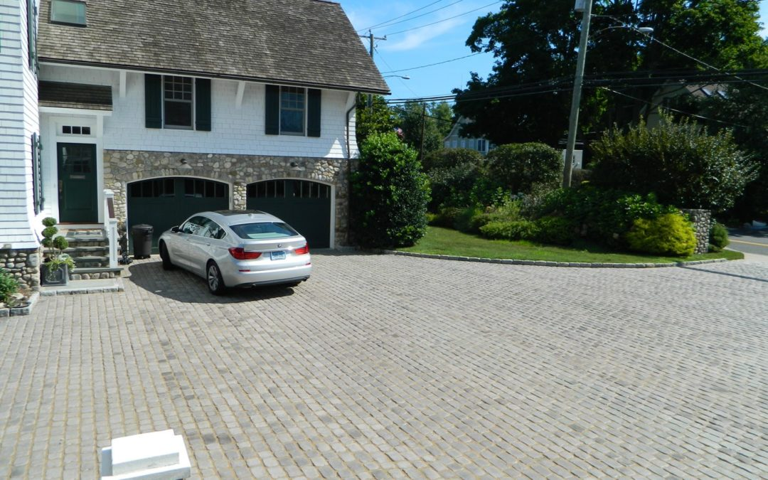 Westport, CT – Brick and Stone Patios, Walks, and Steps – Stone Masonry in Westport, CT