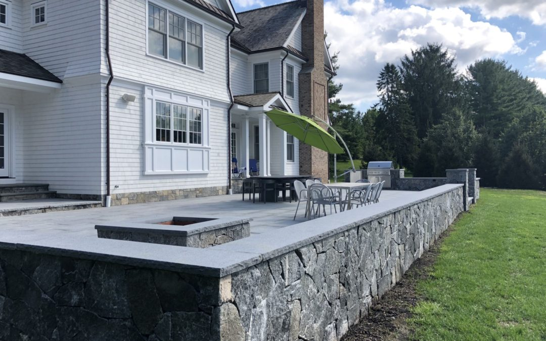 Norwalk, Wilton, CT – Retaining Walls | Retaining Wall Design and Construction | Decorative Stone Walls