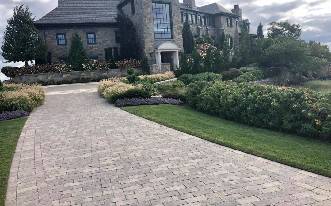 Greenwich, CT: Driveway Pavers | Interlocking Pavers | Stamped Concrete in Greenwich, CT